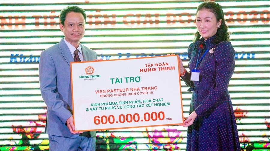 Tập đoàn Hưng Thịnh hỗ trợ Viện Pasteur Nha Trang kinh phí mua vật tư y tế xét nghiệm Covid-19