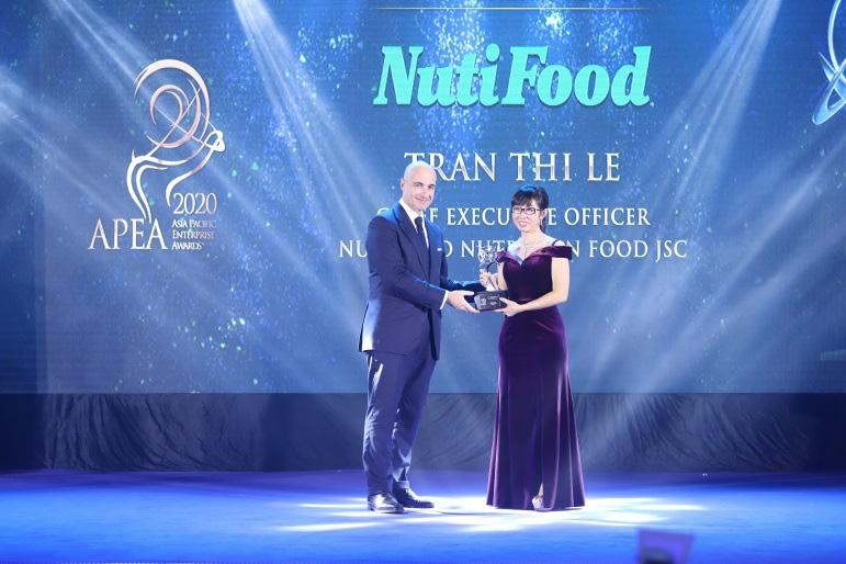 le-trao-giai-asia-pacific-enterprise-awards-2020-vinh-danh-nutifood-3-giai-thuong-1