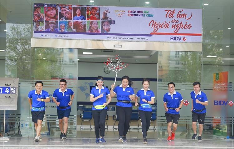tang 100000 dong cho cac vdv giai chay bidv tren smartbanking