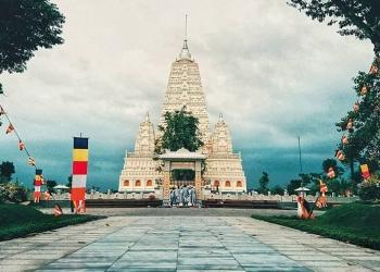 Thiền Viện Trúc Lâm Chánh Giác - Công trình kiến trúc tâm linh đồ sộ bậc nhất Tiền Giang.