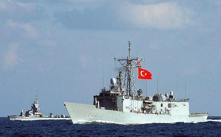 Thổ Nhĩ Kỳ đóng cửa eo biển đối với tàu chiến NATO