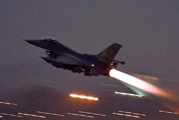 Chiến đấu cơ Israel không kích Syria ngay sau chuyến thăm của Tổng thống Nga