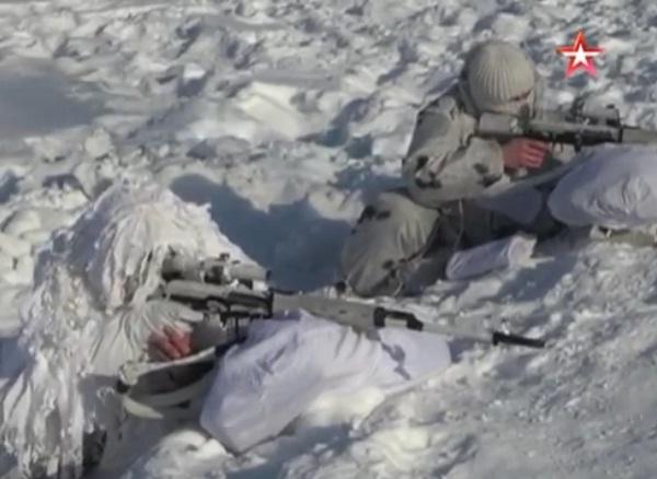 [VIDEO] Lính bắn tỉa Nga tập luyện trong điều kiện thời tiết khắc nghiệt