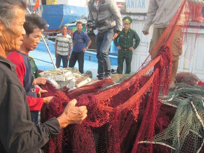 Lên án hành động vô nhân đạo của tàu hải cảnh Trung Quốc