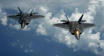Mỹ triển khai số lượng lớn tiêm kích F-22 tới tập trận ở Thái Bình Dương