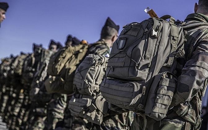 Pháp điều động 300 binh sĩ áp sát biên giới Nga