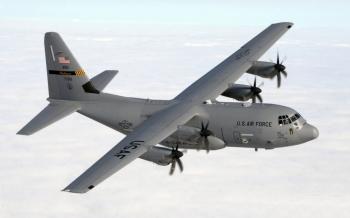 Ba máy bay vận tải quân sự NATO đáp xuống Ukraine
