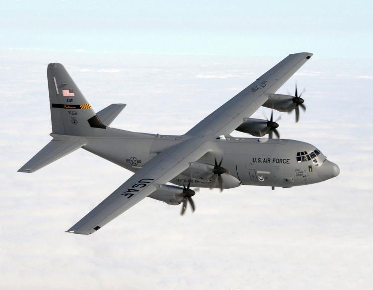 Một máy bay vận tải quân sự C-130J Hercules của Mỹ