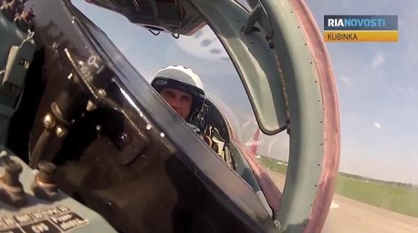 Video: Phi đội Chim Én của Nga có chỉ huy mới