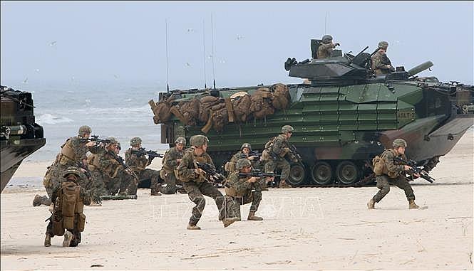 Binh sĩ Mỹ tham gia cuộc tập trận đổ bộ của Lực lượng Tổ chức Hiệp ước Bắc Đại Tây Dương (NATO) tại Nemirseta, Litva.