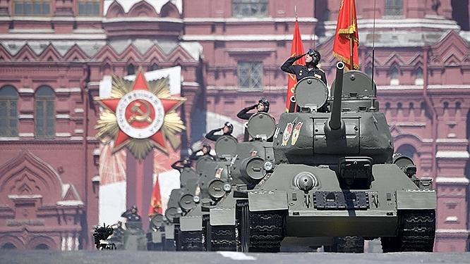 Xe tăng T-34 tham gia lễ duyệt binh nhân kỷ niệm 75 năm chiến thắng