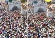 Hàng nghìn người dự đám tang giáo sĩ Ấn Độ bất chấp dịch bệnh