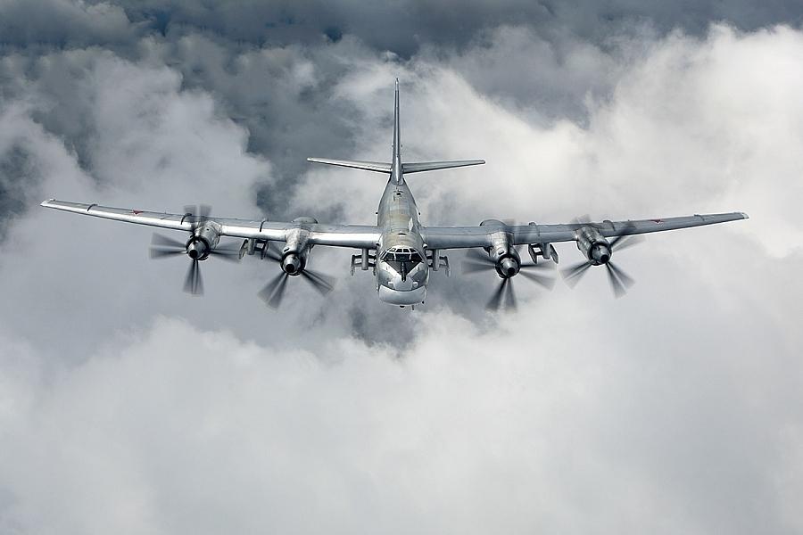 Chiến đấu cơ Nhật xuất kích chặn máy bay ném bom Nga