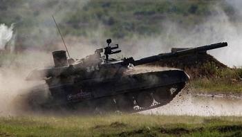 xem vu khi nga khoe suc manh tai dien dan army 2019