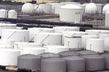 Mỹ: Dự trữ dầu thô tăng do các tàu Ả Rập Xê-út dỡ hàng