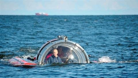 Tổng thống Putin lặn biển khám phá chiến hạm chìm đắm của hải quân Sa hoàng