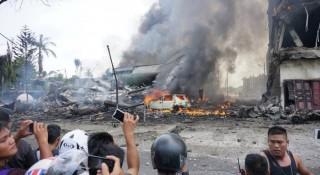 [VIDEO] Hiện trường vụ rơi máy bay ở Indonesia