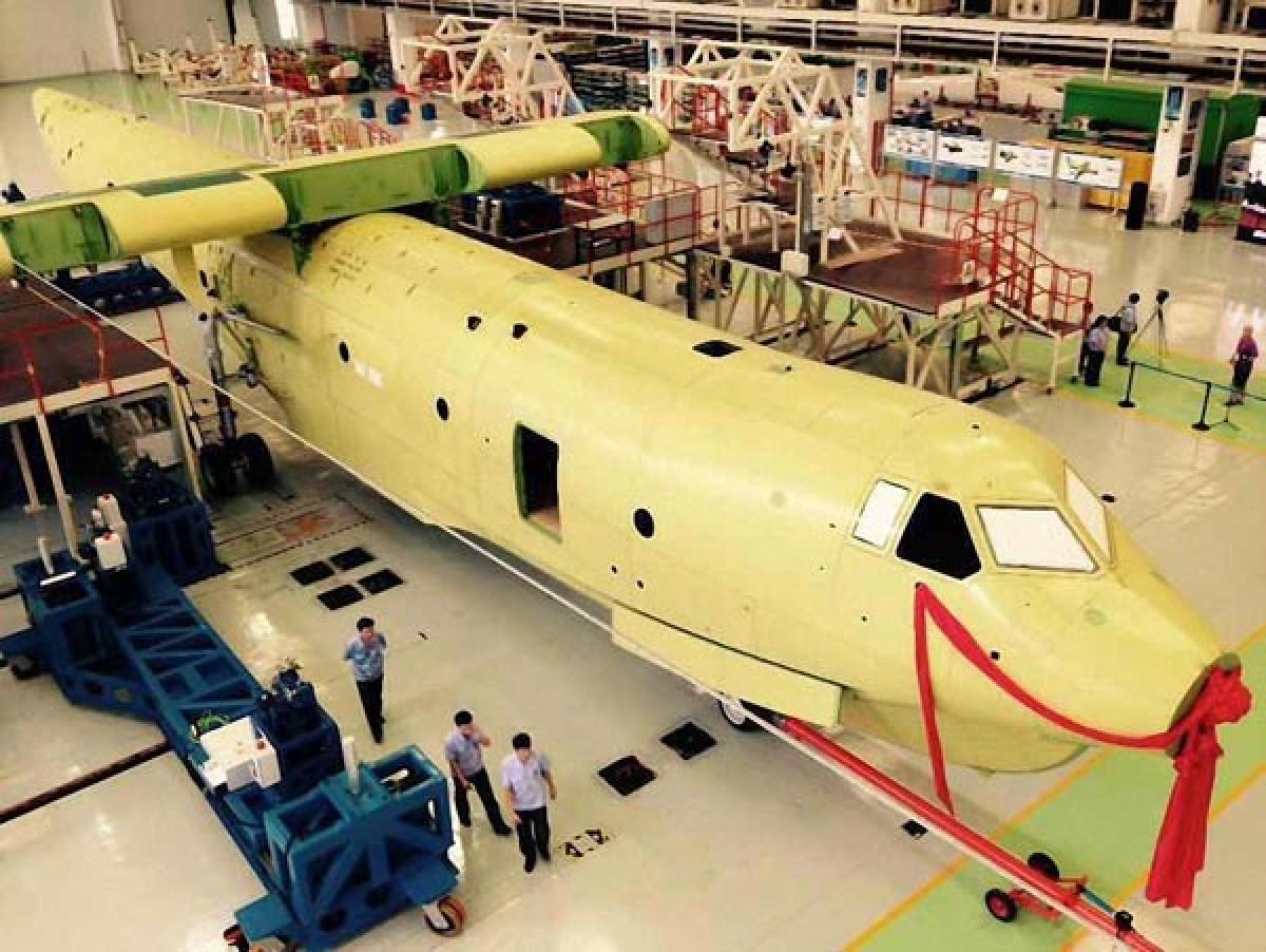 Trung Quốc tiến hành lắp ráp thủy phi cơ lớn nhất thế giới