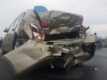 TP HCM: 3 ôtô tông liên hoàn trên cầu vượt Bình Lợi