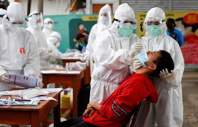 Các nước châu Á vật lộn với đại dịch Covid-19