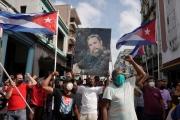 Nga điều 2 máy bay chở hàng viện trợ cho Cuba