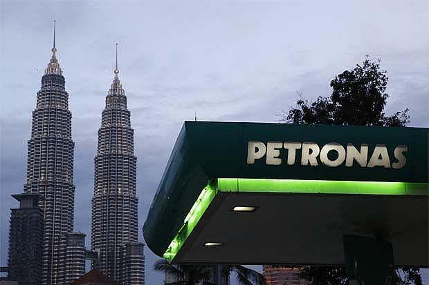 PETRONAS trao quyền điều hành Lô SK437 cho Shell