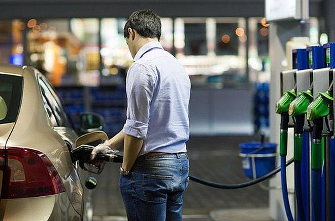 Giá xăng tại Mỹ tăng trở lại bất chấp lo ngại về biến thể Delta