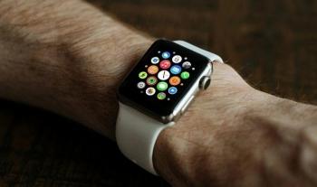 apple watch series 5 ra mat cung iphone 11