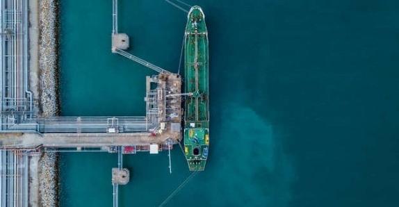 Xuất khẩu dầu của Ả Rập Xê-út sang Trung Quốc tăng mạnh trong tháng 8