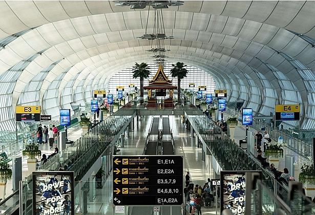 sân baySân bay Quốc tế  Suvarnabhumi, Bangkok, Thái Lan.