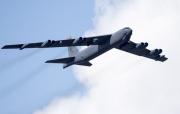 """Nga điều 3 chiến đấu cơ Su-35 chặn """"pháo đài bay"""" của Mỹ"""