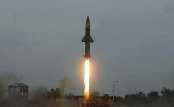 Ấn Độ phóng thành công tên lửa có khả năng mang đầu đạn hạt nhân