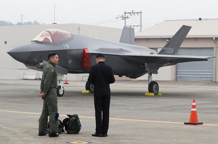 Hàn Quốc lần đầu khoe tiêm kích F-35 trước công chúng