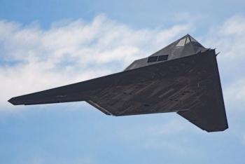 Mỹ tái trang bị máy bay ném bom tàng hình F-117?