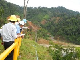 Hai công ty khai thác vàng lớn nhất nước tạm ngừng hoạt động