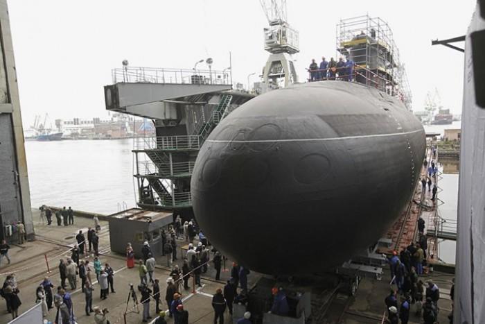 Nga thượng cờ tàu ngầm Kilo cải tiến thứ 4