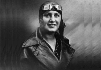 Nữ phi công đầu tiên trên thế giới
