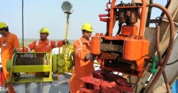 Ấn Độ muốn khôi phục nhập khẩu dầu từ Iran, Venezuela