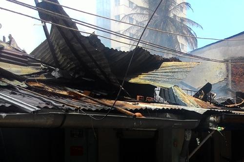 TP HCM: Hỏa hoạn thiêu rụi 5 căn nhà