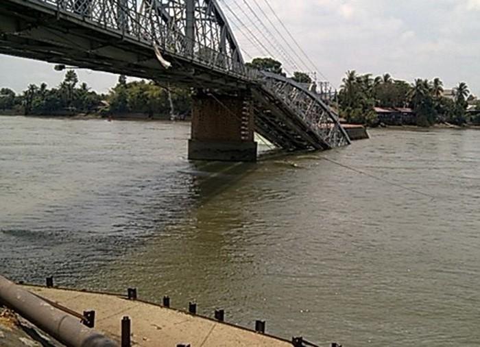 Sập cầu Ghềnh, đường sắt Bắc - Nam vẫn hoạt động