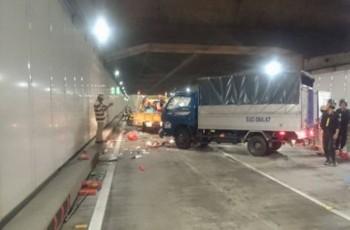 Xe tải húc văng 5 công nhân trong hầm Thủ Thiêm