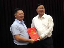 Bí thư Thành ủy trao quyết định của Bộ Chính trị về nhân sự TP HCM