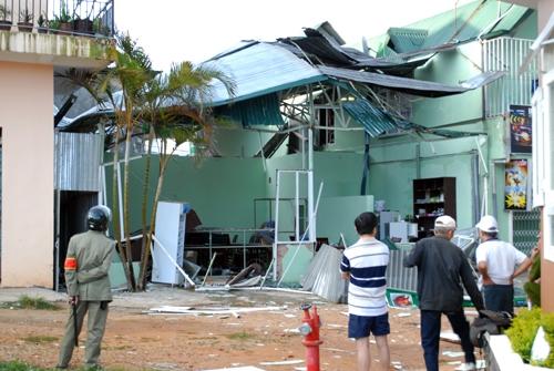 Chùm ảnh: Hiện trường vụ nổ lớn trong quán nhậu ở Đà Lạt