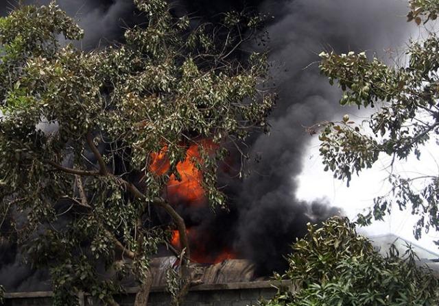 Hơn 5 giờ dập tắt vụ cháy tại khu công nghiệp