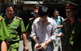 Tuyên án vụ dùng búa đập đầu nhà báo
