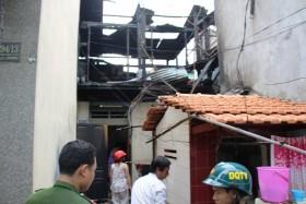 Cháy nhà do phơi quần áo gần đường dây điện