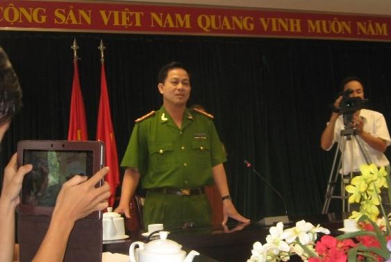 cong an dong nai cong bo thong tin vu no sung o tram csgt
