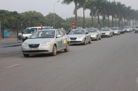 cuop 32 xe taxi la bia dat
