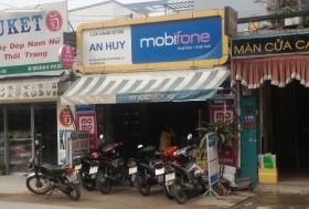 nguoi phu nu tay khong bat doi tuong cuop iphone 5 co sung