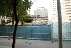 """Tháo dỡ trụ sở TAND TP HCM: Một phóng viên bị """"ăn đòn"""" khi tác nghiệp"""